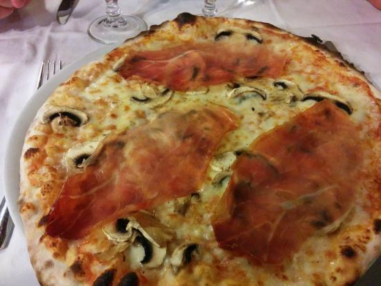 Hostaria Farnese : Pizza jambon et champignons