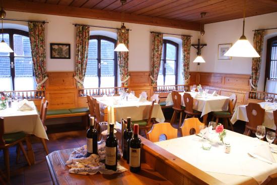 Ach, Österrike: Nebenzimmer