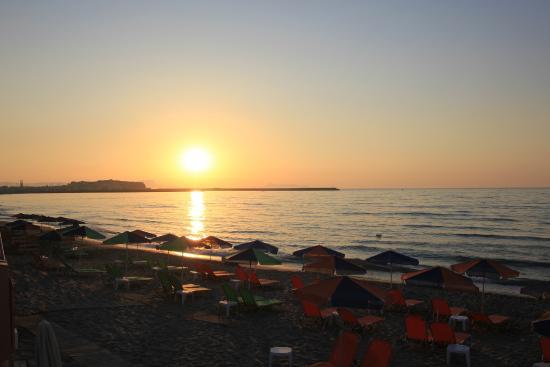 Hotel Batis Rethymno: Pôr do sol em frente ao hotel