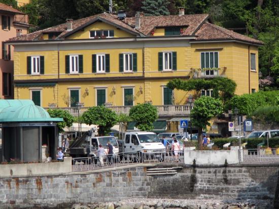 Il Sogno Bellagio: Apartment in yellow building, far right corner, 2nd floor