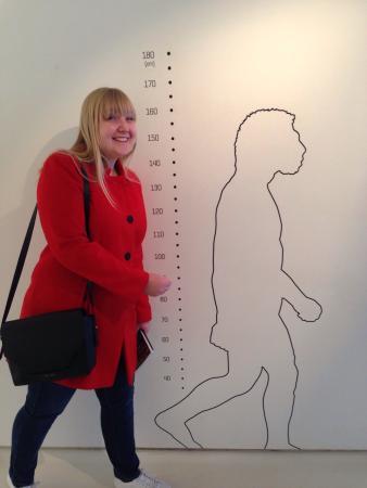 Pole International de la Prehistoire: Neanderthal man, and modern day woman.