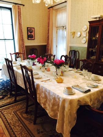 Hillard House Inn: Dining room