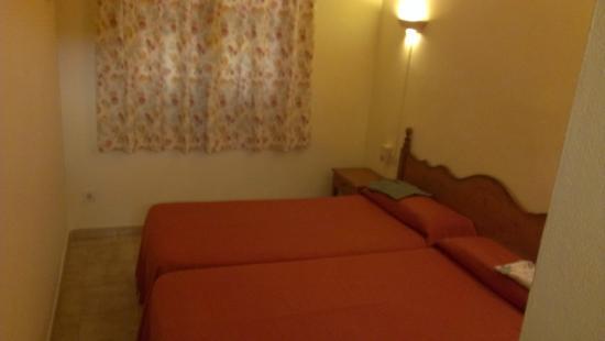 Sant Joan Apartaments: Habitación