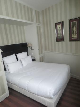 Hotel Etoile Trocadero: Chambre