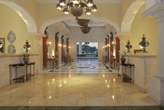 Iberostar Grand Hotel Bavaro: Main Entrance