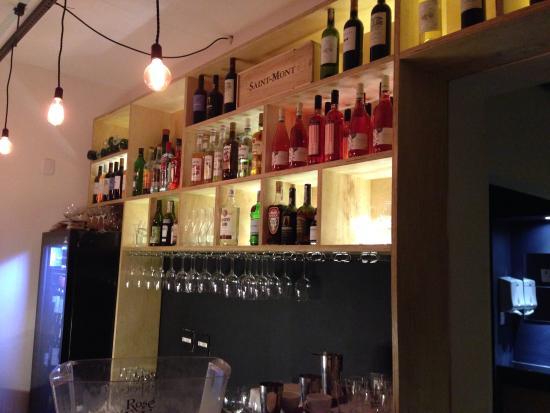Canaille Bar: Area Do Bar