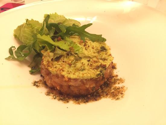 Osteria Carbonaia Mare: Tartare di salmone con avocado