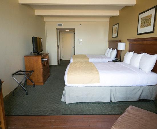 Virginia beach hotels country inn suites by radisson virginia beach oceanfront va reviews for Virginia beach suites oceanfront 2 bedroom