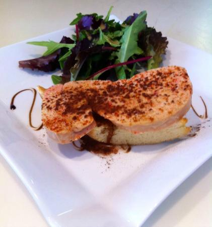 toast de foie gras frais photo de le mas des aromes. Black Bedroom Furniture Sets. Home Design Ideas