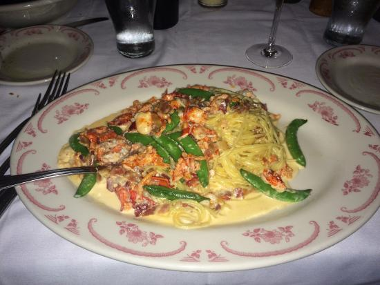 Maggiano's Little Italy: photo0.jpg