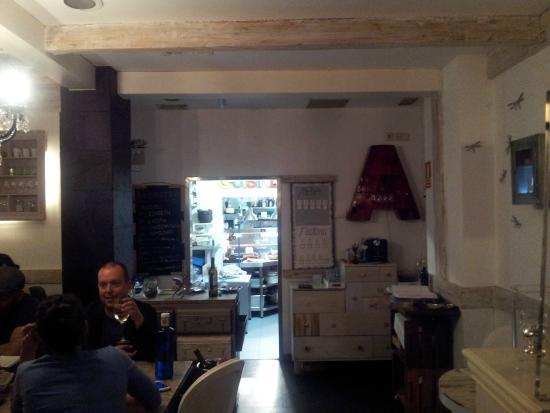 Vista de la zona de mesas y cocina - Picture of La Gastro de Chema ...