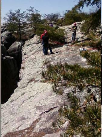 Cherokee Rock Village : Rock wall
