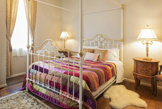 Highden Manor Estate: The main bedroom in The Dahlia Suite