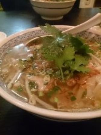 Saigon Dep: 牛肉のフォー。化学調味料を使わないスープが旨い!