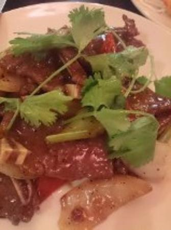 Saigon Dep: 牛肉の炒め物も美味しい。