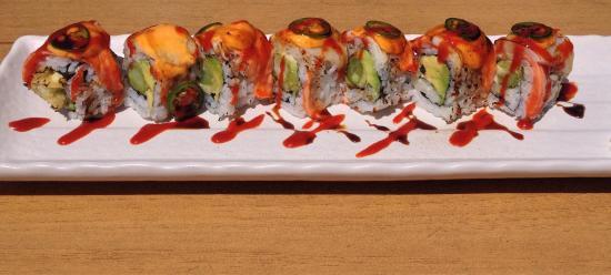 Zen Japanese Restaurant: Salmon Fire roll