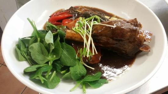 Monkey Nut Cafe: Lamb Shank...yum!