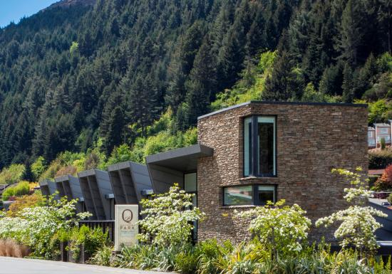 Queenstown Park Boutique Hotel