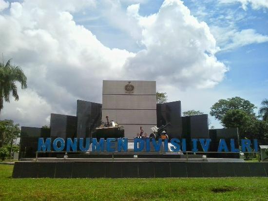 Monumen ALRI Divisi IV Pertahanan Kalimantan