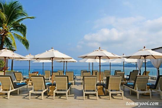 Cape Sienna Hotel & Villas: Pool Sundeck