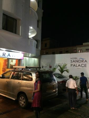 Hotel Sandra Palace : main entrance of the hotel