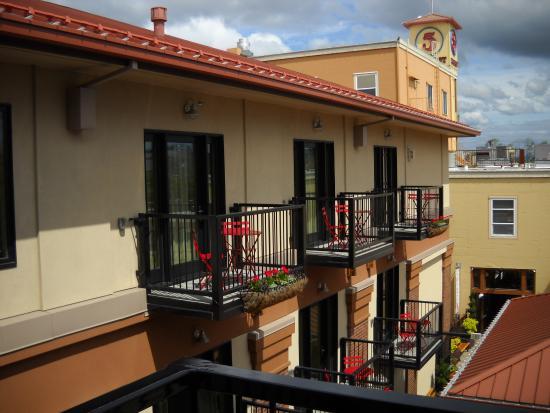 Юджин, Орегон: View From A Balcony Facing East