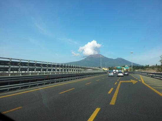 Americo Car Service: Mount Vesuvius from the higway