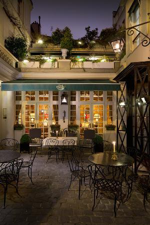 Hotel Duc de Saint Simon: entrée hotel 2