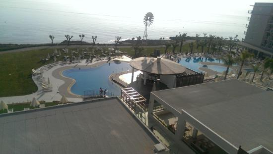 Pernera Beach Hotel: Pools