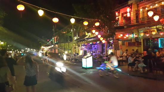 ‪Hoi An Night Market‬