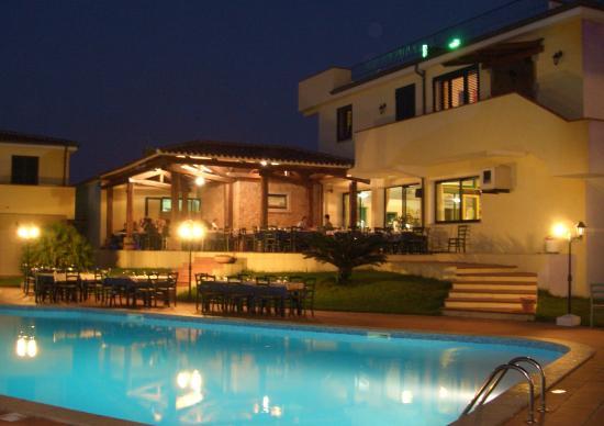拉奇阿恰酒店
