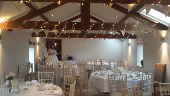The Granary at Fawsley: Gorgeous wedding tea