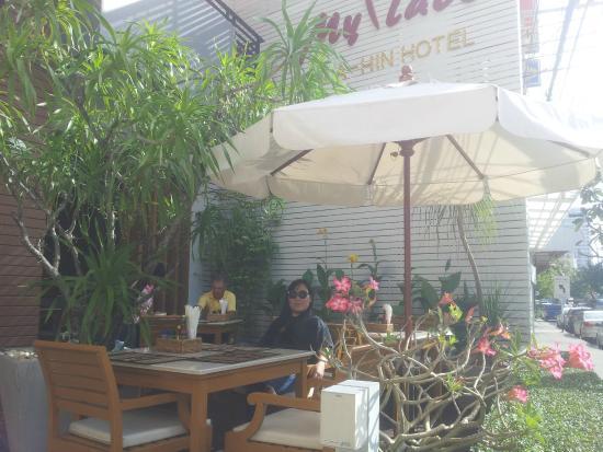 My Place @ Hua-Hin Hotel: breakfast lobby area