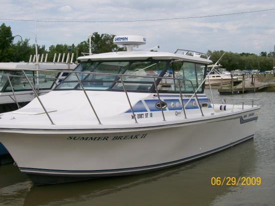 Geneva, OH: Fish Lake Erie on a clean comfortable 30 ft Baha Fisherman