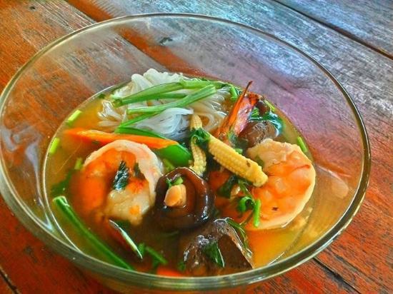 Jumpahom Restaurant: noodle soup with shrimps
