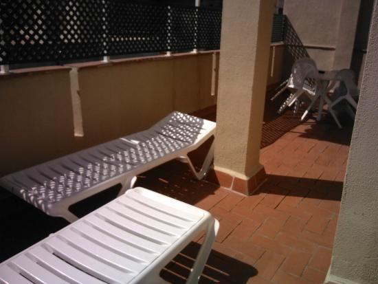 Aparthotel Bertran: terraza apartamento