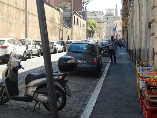 Feliz in Roma street