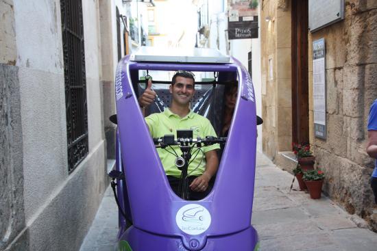 TriciCordoba: Andrés y su empresa móvil, felicitaciones!