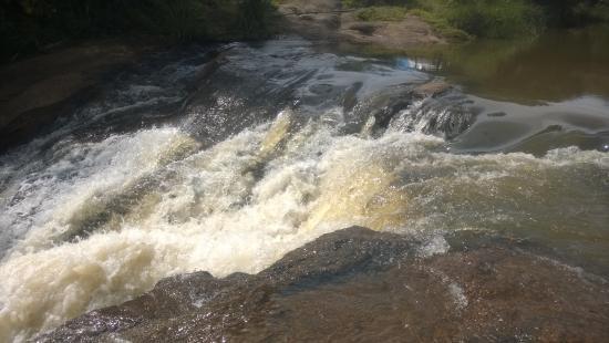 Pedra Bela, SP: Queda d'água