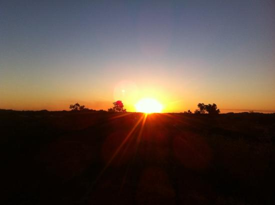 Bluestone Motor Inn: Sunset over Tennant Creek