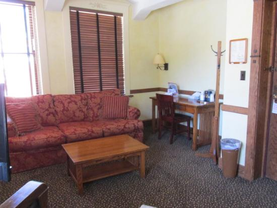 Celebrity Hotel: Branch House Suites located off premise