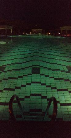 Carthage Thalasso : Piscine At Night