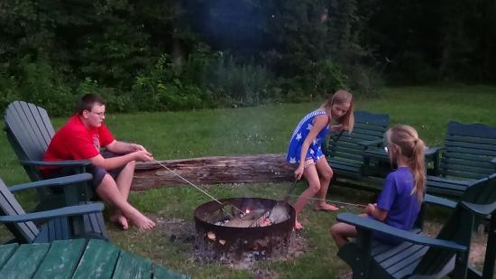 Elizabethtown, IL: Great campfire!