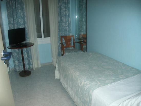 Hotel Marina Folch : single room