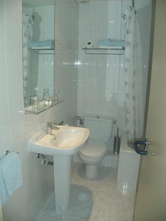Hotel Marina Folch : baño toilettes