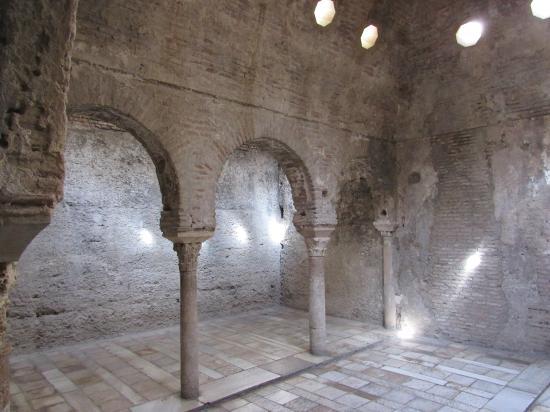 Antichi bagni arabi - Foto di Banuelo (El), Granada - TripAdvisor