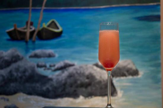 Aroy - Thai Cuisine : watermelon bellini
