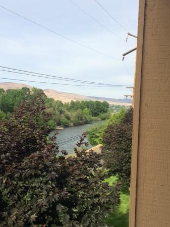 Oxford Inn Yakima: All rooms have a view of the Yakima River