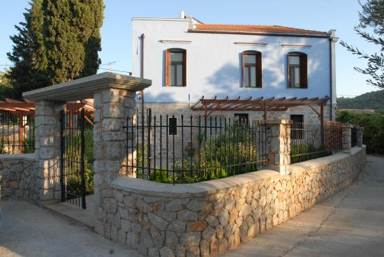Photo of Traditional Hotel Ianthe Chios