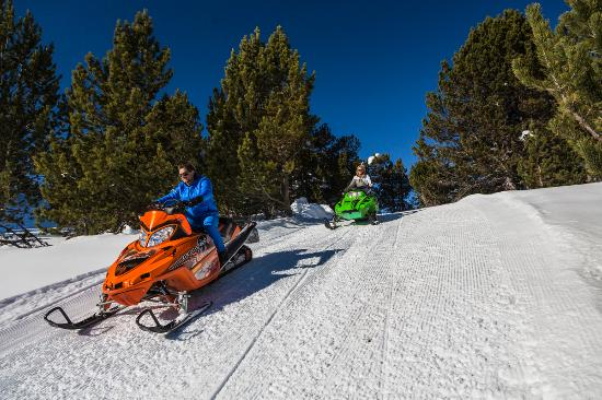 Andorra: Grandvalira, Motos de nieve - Grandvalira, Motoneige